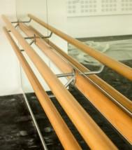 Barres de danse classique et miroirs professionnels for Hauteur barre danse classique